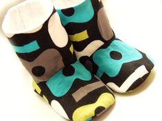 Baby shoes size 06 months groovy guitars by SeaminglyPossible, £16.00
