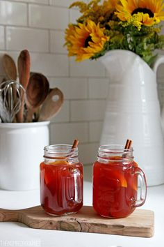 Mulled Cranberry Cider / fall drink recipe at The Inspired Room