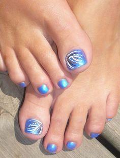 Image via   Love my Pedicure  nail design. Stripes, polka dots, hearts, black white toe nail art design