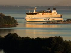Finnjet, Travemünde - Helsinki 1977-1997 Helsinki, Ferry Boat, Lasting Memories, Ship Art, Days Out, Finland, Scandinavian, Cruise Ships, River
