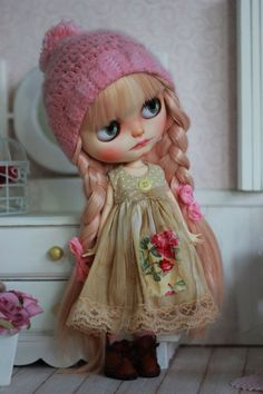 Vintage Couture - For Blythe Doll - Aged