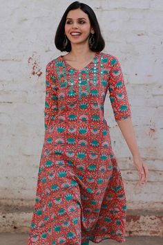Okhai 'Floral Flame' Blockprint Kurta – Okhaistore Sleeves Designs For Dresses, Dress Neck Designs, Blouse Designs, Salwar Neck Patterns, Salwar Pattern, Ladies Suit Design, Chudidhar Designs, Casual College Outfits, Kurta Cotton