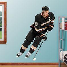 Ryan Getzlaf REAL.BIG. Fathead Wall Graphic | Anaheim Ducks Wall Decal | Sports Home Décor | Hockey Bedroom/Man Cave/Nursery