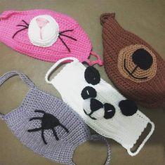 Como fazer máscara de crochê com gráficos e passo a passo - Artesanato Passo a Passo! Crochet Diy, Crochet Mask, Crochet Faces, Crochet Chart, Crochet For Kids, Crochet Stitches, Crochet Patterns, Crochet Wallet, Loom Craft