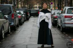 STYLE DU MONDE / Paris Fashion Week Fall 2017 Street Style: Before Rochas  #Fashion, #FashionBlog, #FashionBlogger, #Ootd, #OutfitOfTheDay, #StreetStyle, #Style