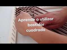 How to weave in loom square frame - knites Finger Crochet, Finger Knitting, Home Crafts, Diy Crafts, Loom Weaving, Textile Art, Crochet Stitches, Work On Yourself, Macrame