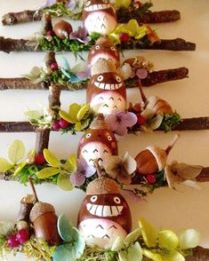 Christmas Decorations, Christmas Ornaments, Holiday Decor, Totoro, Acorn, Diy And Crafts, Baby Kids, Halloween, Projects