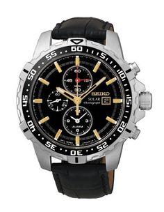 Montre Homme Seiko Solar SSC303P1, boîtier acier et bracelet en cuir, cadran noir, fonction chronographe et date.