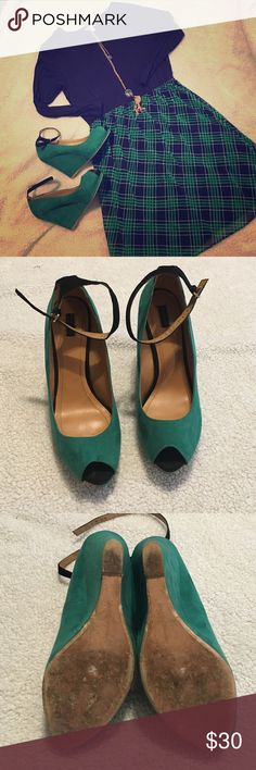 Beautiful green suede Zara wedges size 8.5 Adorable reposh. I purchased these saying they were size 9 but are too small. They fit like an 8/8.5. Very good used condition with some wear on the soles. So cute! Zara Shoes Wedges