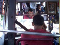 La foto ciudadana del día de hoy: Chofer irresponsable