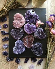 Chakra Crystals, Crystals Minerals, Rocks And Minerals, Crystals And Gemstones, Stones And Crystals, Crystal Magic, Crystal Grid, Crystal Healing, Crystal Decor