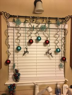 In this DIY tutorial, we will show you how to make Christmas decorations for your home. The video consists of 23 Christmas craft ideas. Christmas Window Decorations, Xmas Ornaments, Christmas Windows, Christmas Stockings, Magical Christmas, Simple Christmas, Christmas Crafts, Christmas Party Games, Christmas Themes