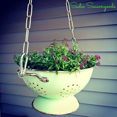 No Strain to Hang- Vintage Colander Planter