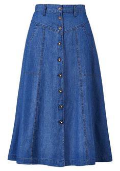 Long Denim Skirt Outfit, Long Skirt Fashion, Denim Fashion, Modest Fashion, Fashion Dresses, Jeans Dress, Traditional Skirts, Costume Shirts, Modest Dresses