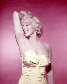 Always Marilyn Monroe Marilyn Monroe Artwork, Norma Jean Marilyn Monroe, Marilyn Monroe Life, Marilyn Monroe Tattoo, Hollywood Glamour, Classic Hollywood, Old Hollywood, Divas, Photos Rares