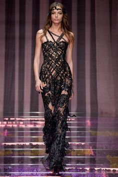 """Atelier Versace Fall 2015 Couture Fashion Show: Complete Collection -  Style.com  (^.^) Thanks, Pinterest Pinners, for stopping by, viewing, re-pinning, & following my boards. Have a beautiful day! ❁❁❁ and""""Feel free to share on Pinterest ^..^   #fashionupdates  #fashionandclothingblog *•.¸♡¸.•**•.¸"""