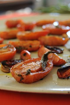 Tomates confitados de Juliana Lopez May Clean Recipes, Vegetable Recipes, Vegetarian Recipes, Chutney, Salty Foods, Veggie Delight, Tasty, Yummy Food, Desert Recipes