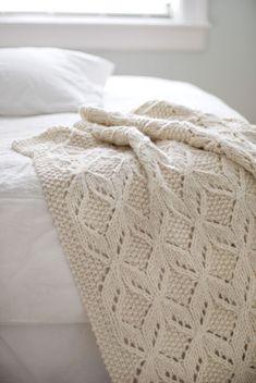 Umaro Textured Throw - Super-bulky wool yarn - BrooklynTweed