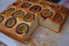 Najprostsze z możliwych wegańskie ciasto z owocami Vegan Sweets, Kids Meals, Muffin, Pie, Breakfast, Healthy, Desserts, Food, Torte