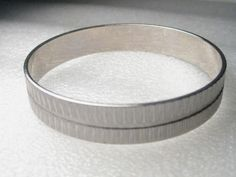 "Silvertone 1/2"" Silvertone Bangle Bracelet - 8"" - textured - very nice #unbranded #Bangle"