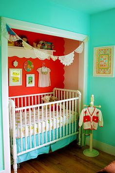 Crib in a closet! What. a . Good. Idea.  No throwing stuff out of the crib, no finding lost binkies under it.  This would work for a toddler bed, too!  We would have so much extra room!!  I wonder what feng shui has to say about sleeping in the closet!