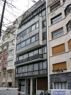 See the 17 Le Corbusier Projects Named as UNESCO World Heritage Sites,Immeuble Molitor, Paris, France. Image © Wikimedia user I, Sailko. Licensed under CC BY 2.5