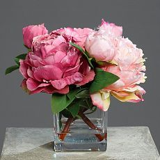 Aranjament bujori artificiali roz-somon in vaza de sticla  - 24 cm