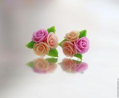 """Купить """"Парижанка"""" серьги-гвоздики - бледно-розовый, розы, розы из полимерной глины, цветы"""