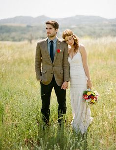 mark my words: I want this shot on my wedding day! Guy totally looks like my beau!