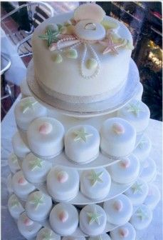 Beach wedding cake, with individual cakes