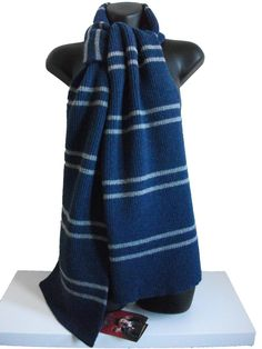 MUST HAVE. Lochhaven of Scotland.   OFFICIAL WARNER BROS. HARRY POTTER RAVENCLAW SCARF 300g