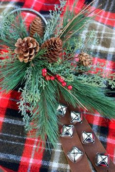 DIY Sleigh Bell Christmas wreath from Sweet Something Design | Stylish Western Home Decorating