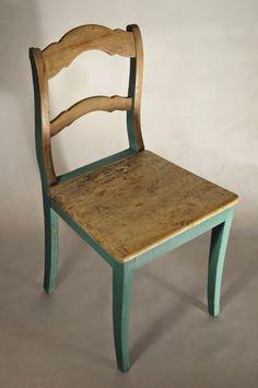 Stare nowe krzesło