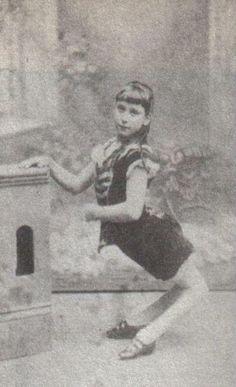 "Ella Harper, ""The Camel Girl"" b1873-?~ http://www.victorianadventureenthusiast.com/index/ella-harper-the-camel-girl-b1873/ #circus #sideshow #ellaharper"
