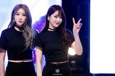 Nine Muses Hyuna & Kyungri