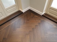 Istoria Bespoke Onyx has a lovely gentle effect that matches well with any look of the interior. The flooring was complimented by antique brass trim. Timber Flooring, Parquet Flooring, Herringbone Wood Floor, Herringbone Pattern, Planchers En Chevrons, Wood Floor Design, Floor Patterns, Wood Floor Pattern, Dream House Interior