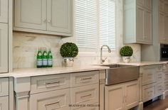 kitchen sink with backsplash best 25 taupe kitchen ideas on warm grey 6039