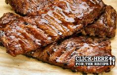 How to make Portuguese grilled pork ribs (Costelas de Porco Grelhadas), serve with fries and a tomato salad with mozzarella cheese Grill Pork Ribs Recipe, Pork And Potato Recipe, Pork Ribs Grilled, Pork Rib Recipes, Pork Tenderloin Recipes, Grilling Recipes, New Recipes, Cooking Recipes, Pork Chops