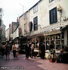 BRIGHTON 1967: A scene in The Lanes, Brighton, Sussex, an area with passageways containing antique and bric-a-brac shops.