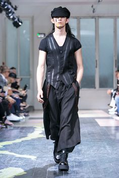A look from the Yohji Yamamoto Spring 2016 Menswear collection.