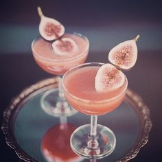 Sunday with punch  in the form of these festive fig cocktails sourced from @greenweddingshoes. We have just landed back on British soil and despite the freezing temps, we're raring to go and excited for our upcoming 2016 weddings! Back in the studio tomorrow ✌️... #weddingplanner #weddingstylist #destinationwedding #style #cocktail #beauty #fig #fancy #worldwidewedding #stylisheventdesign