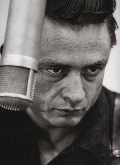 Johnny Cash photographed by Don Hunstein October 1959