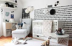 Mit diesen 6 Schritten zeige ich dir, wie du mit IKEA ein Babyzimmer mit allen wichtigen Möbeln einrichtest, die du für dein Baby benötigst.