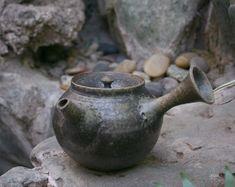 Japanese pottery -  Tokonameyaki teapot by Yamada Sou