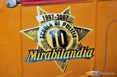 205/221 | Photo du stunt show, Scuola di Polizia situé à Mirabilandia (Italie). Plus d'information sur notre site http://www.e-coasters.com !! Tous les meilleurs Parcs d'Attractions sur un seul site web !! Découvrez également nos vidéos du show à ces adresses : http://youtu.be/DB4UCC9a3J0 & http://youtu.be/4F9wptkq8Uc