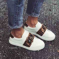 Women shoes Flats Sandals - Women shoes Trends Casual - - Women shoes Style Casual - New Balance Women shoes Sneakers Sneakers Fashion, Fashion Shoes, Dior Fashion, Fashion Dresses, Hype Shoes, Valentino Shoes Sneakers, Valentino Trainers, Cute Sneakers, Sneakers Adidas