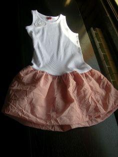 Piccole Sarte Crescono:   Simple Dress, Questo è al momento l'ultimo vestititino realizza...