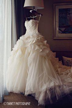 / Dress / White / Ruffles /