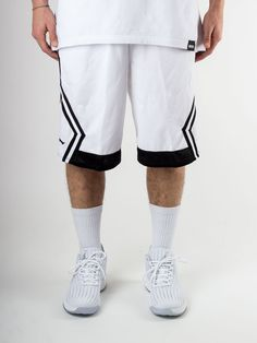 Scopri Pantaloni corti tuta Nike Jordan Wings Blockout Short
