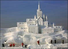 """""""Romantic Feelings,"""" The world's Tallest Snow Sculpture. The and snow sculpture has been placed at the expo's m. Snow Scenes, Winter Scenes, Snow Sculptures, Sculpture Art, Yard Sculptures, Snow Castle, Frozen Castle, Ice Art, Ice Castles"""